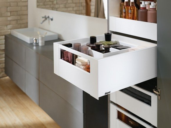 Blum Legrabox with rail bar