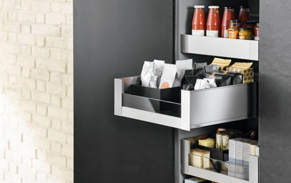 Blum Legrabox with front glass insert